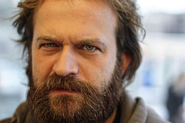 beard man summer growth